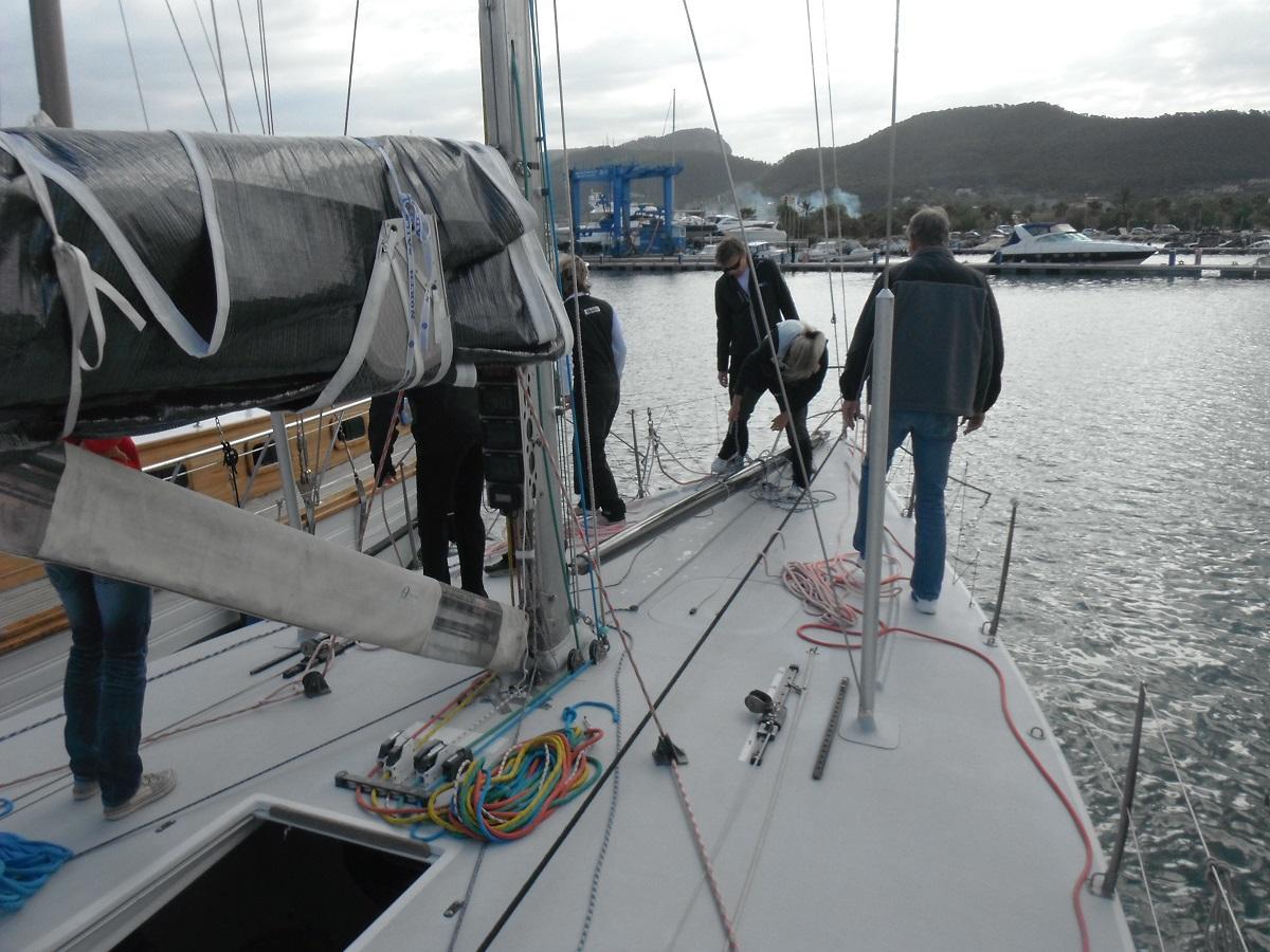 Personal-Training auf der Yacht von Reffen bis Spinnaker, Ankern und Trimm der Segel