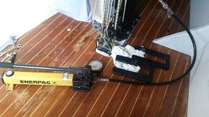 Mast Jack ordentlich Power aufs Kohlefaser-Rigg